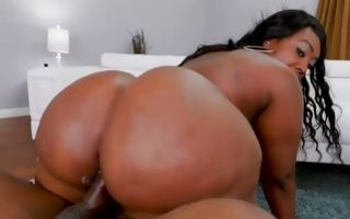 Victoria Cakes with giant butt jumping on big prick